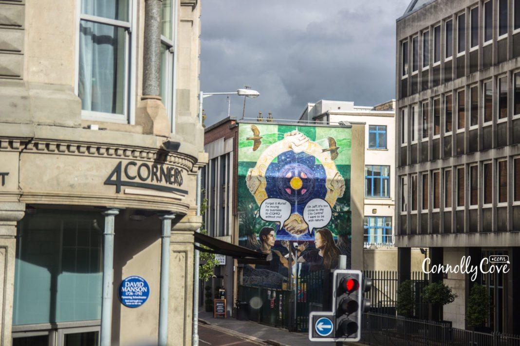 4 Corners-Bus Tour Belfast- Belfast Murals