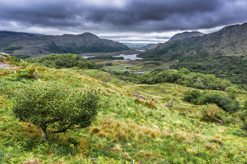 Take a Look at the Astounding Scenery of County Kerry