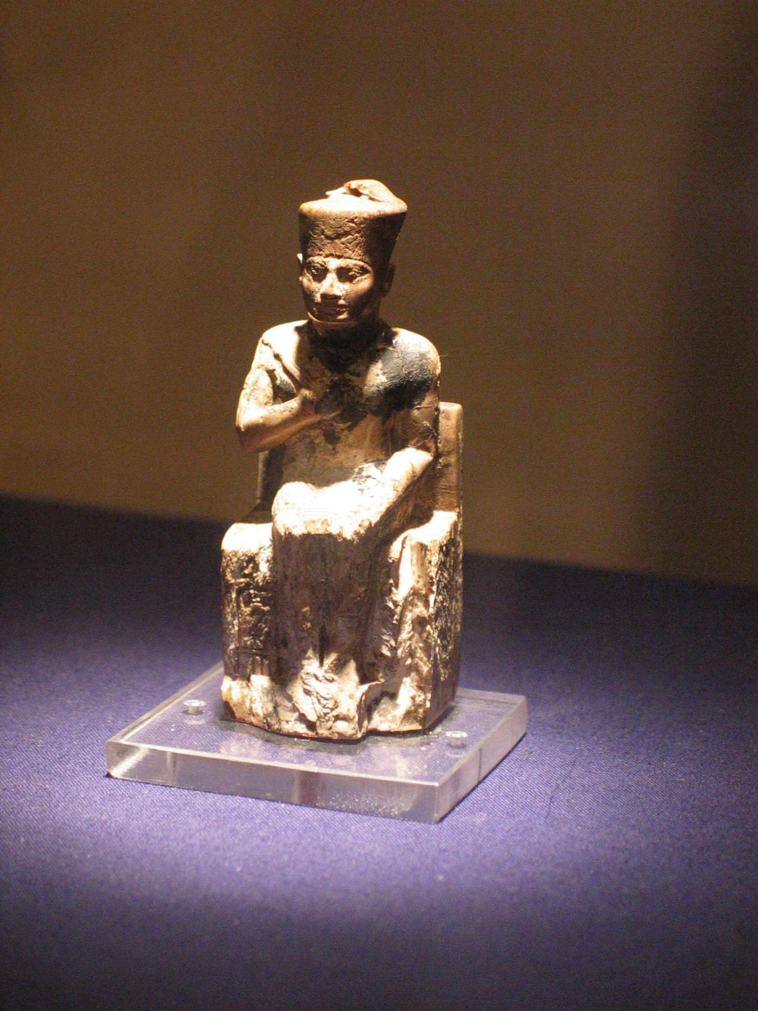 Statue of King Khufu
