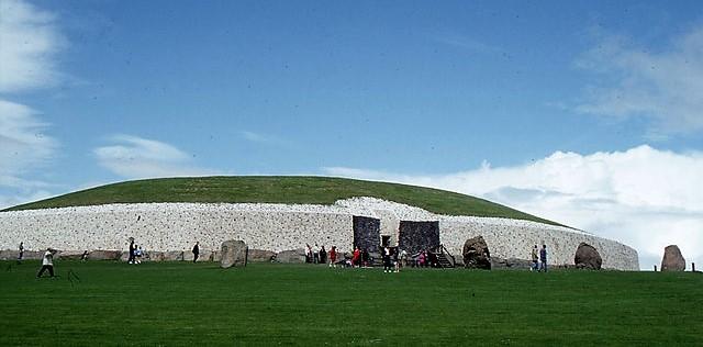 Newgrange - Famous Landmarks in Ireland