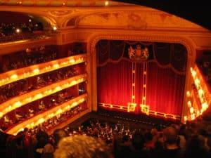 grand-opera-house-christmas-lights