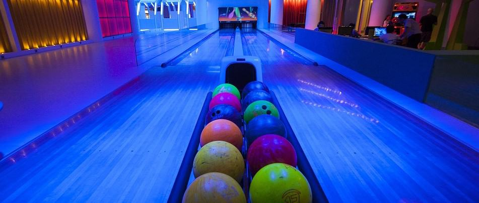 Extreme Bowling in Dundonald - Fun things to do in Northern Ireland