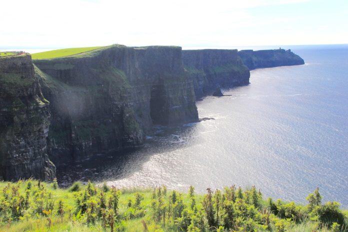 ConnollyCove Cliffs of Moher - Wild Atlantic Way, Ireland