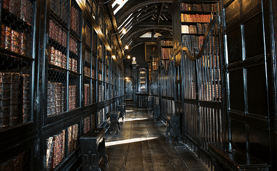 interior-chetham-library