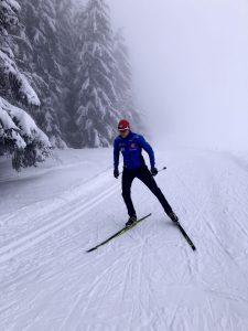 Yann Laheurte skiing