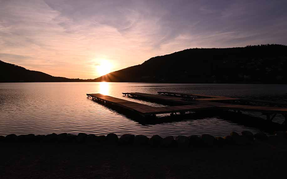 an image of sunset at Gérardmer's lake