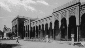 Al Gezira Palace in black and white. Taken around the time of 1901