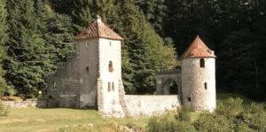 A landscape photo of a castle in Ilirska Bistrica in Slovenia