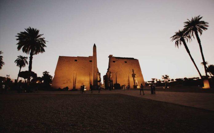 Abou al-Haggag at dusk