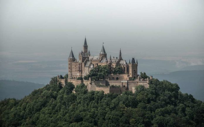 Biggest castles in the world featured image mountain top castle