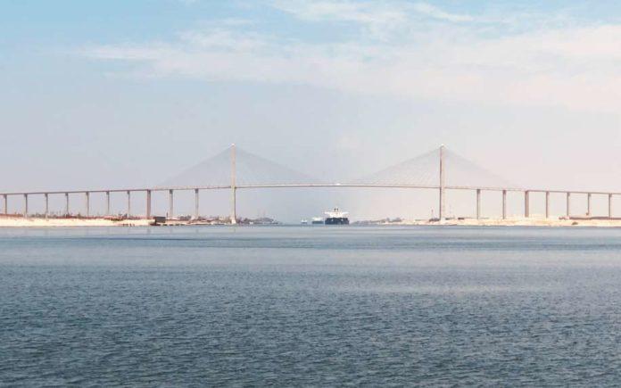 Suez city bridge